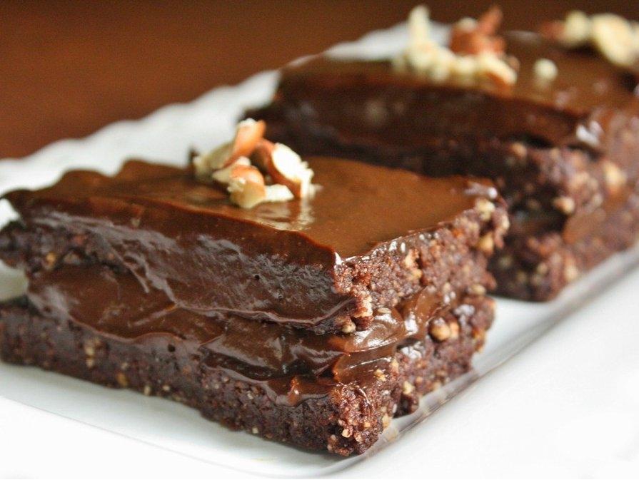 Bez cepšanas pagatavojamā šokolādes kūka