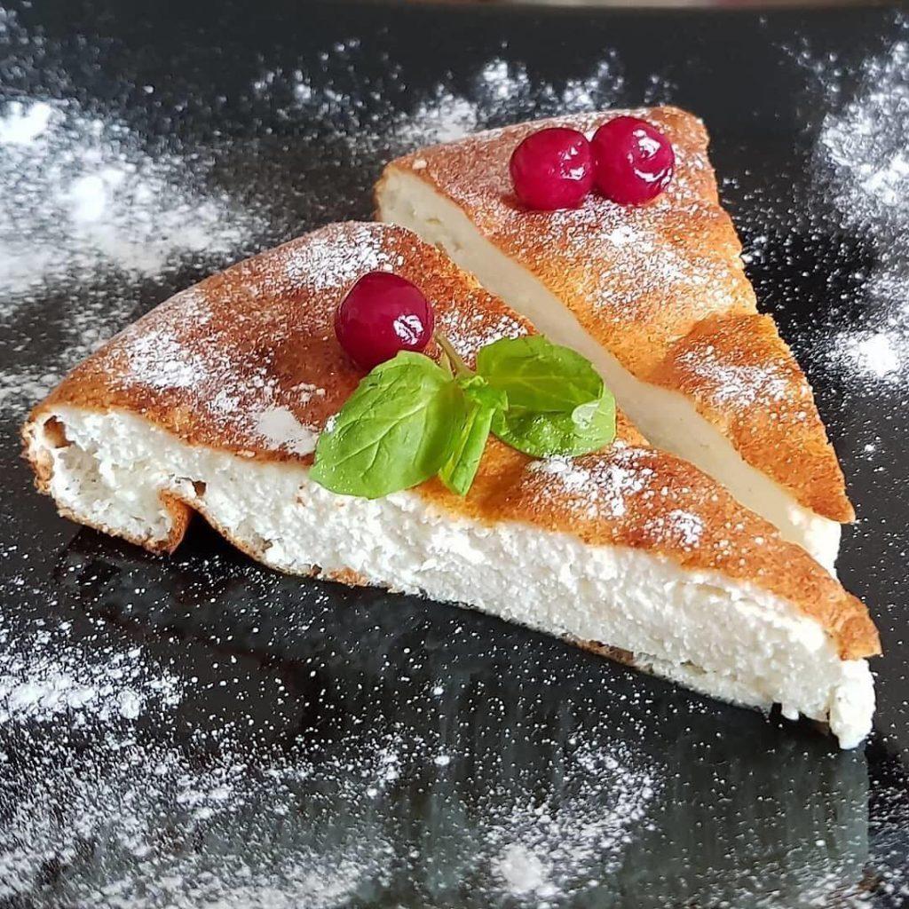 Biezpiena suflē kūka