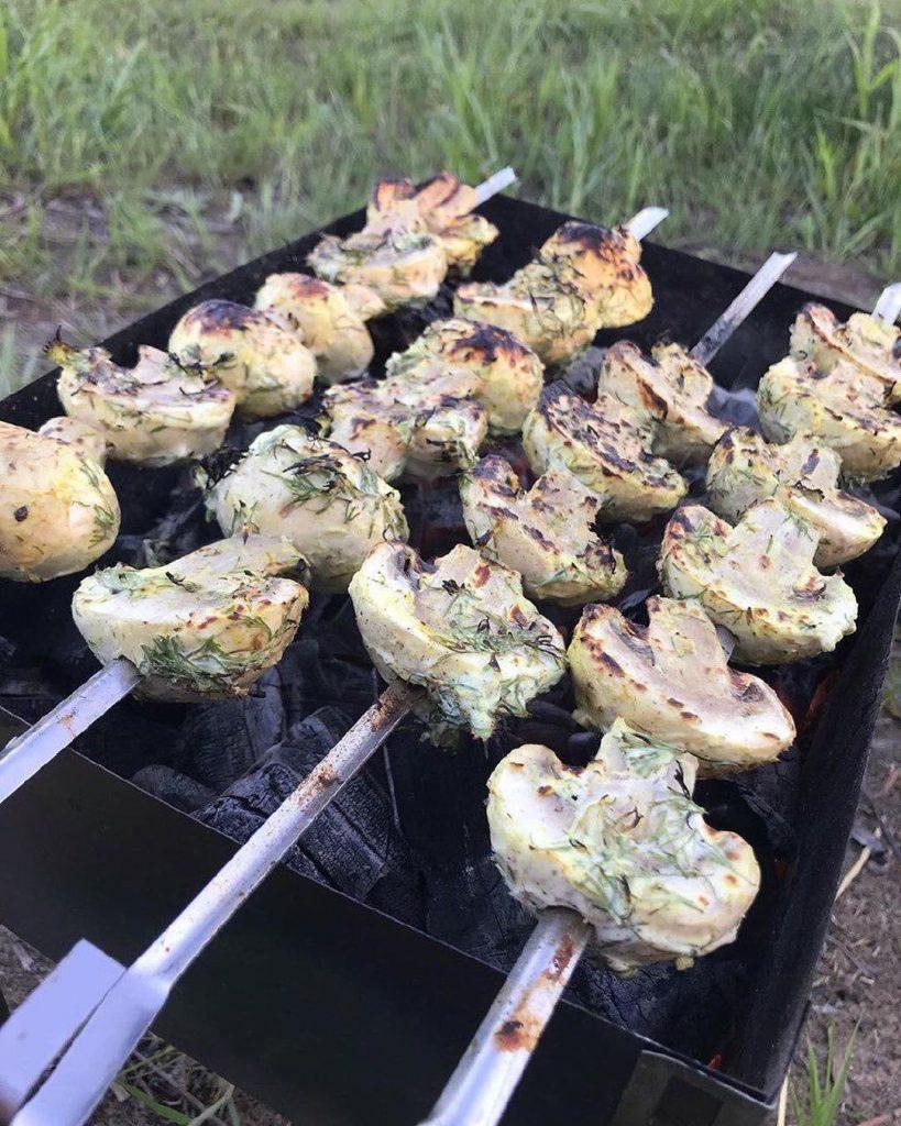 Dārzeņu un zivs marinādes recepte grillēšanai