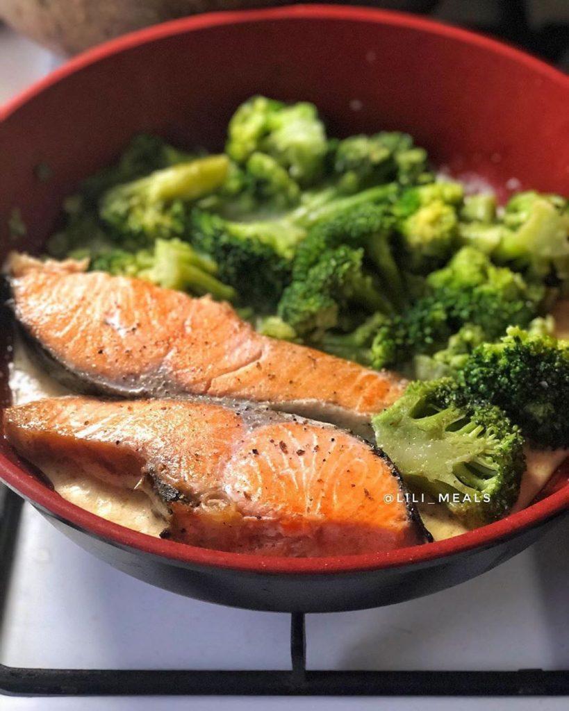 Lasis salda krejuma merce ar brokoliem