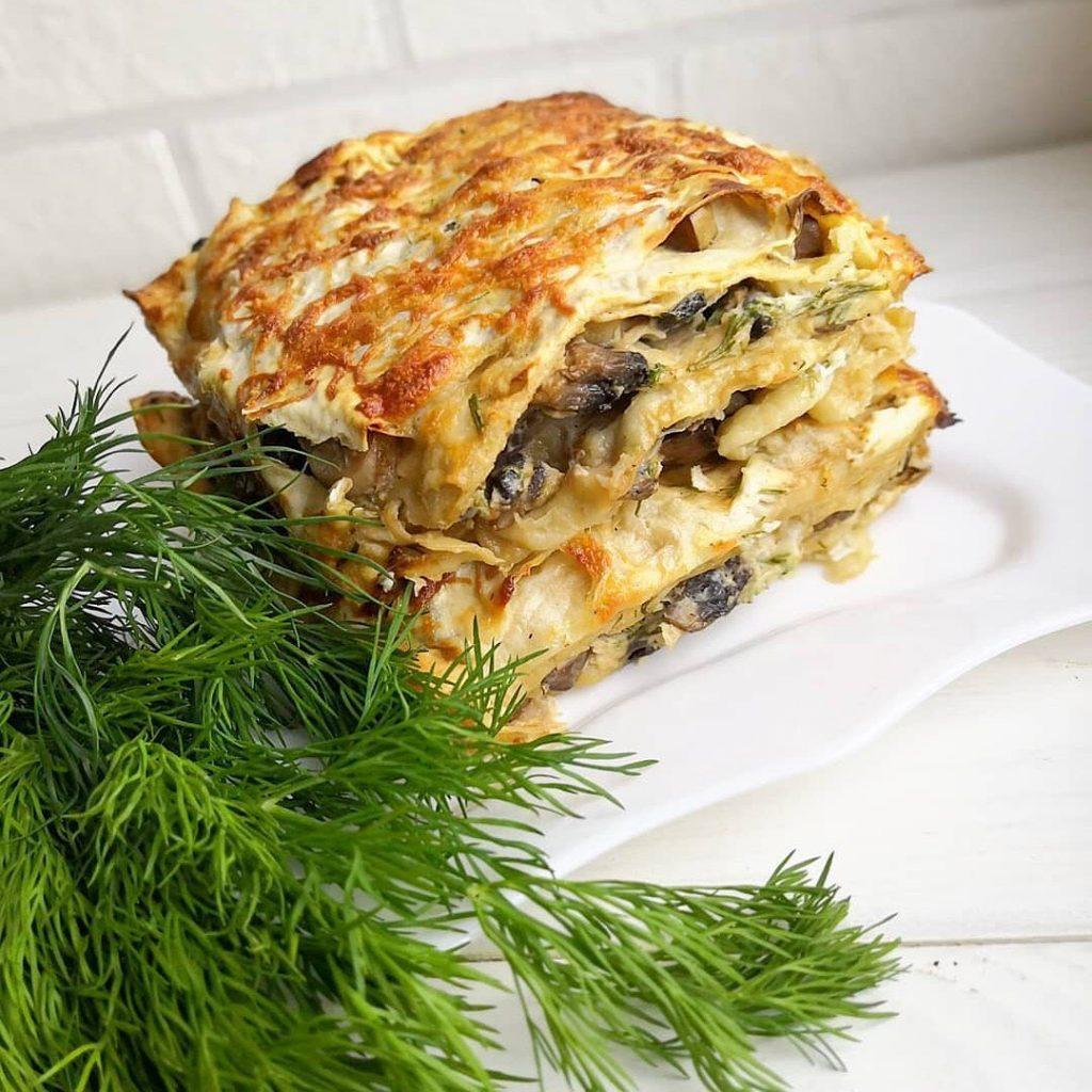 Lavaša maizes sacepums ar šampinjoniem un sieru