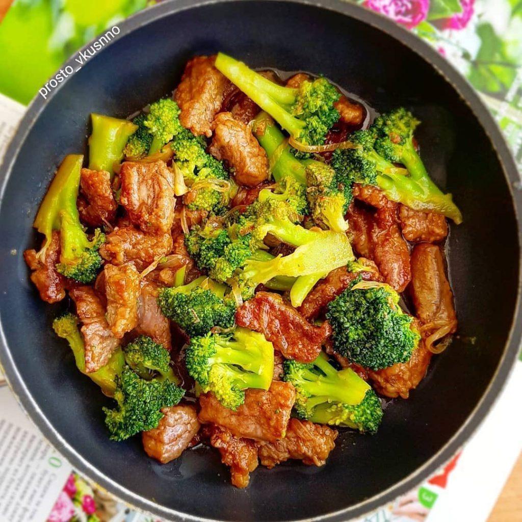 Liellopa gaļa ar brokoļiem