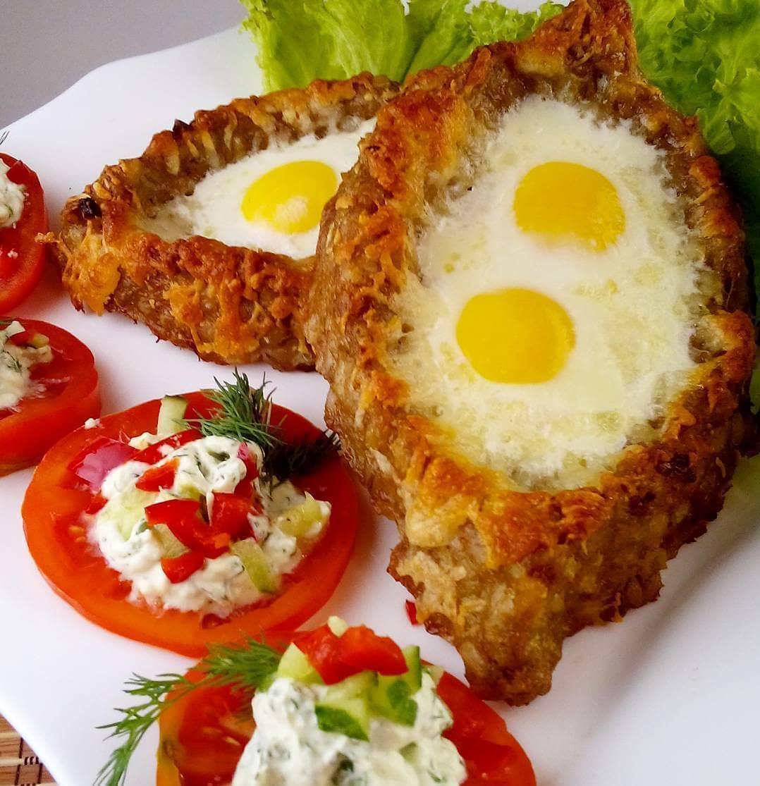 Maltās gaļas laiviņas ar olas pildījumu