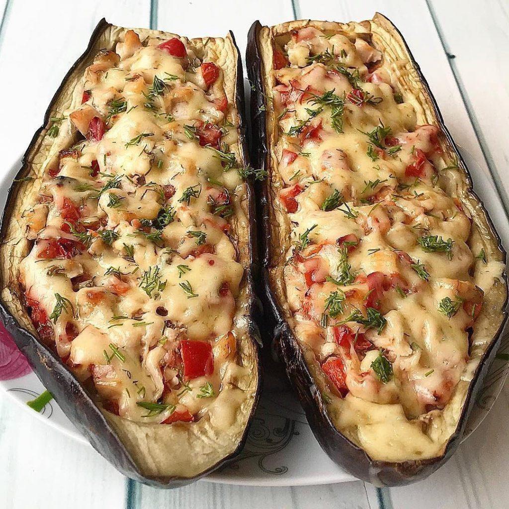 Maltās gaļas un dārzeņu pildīti baklažāni