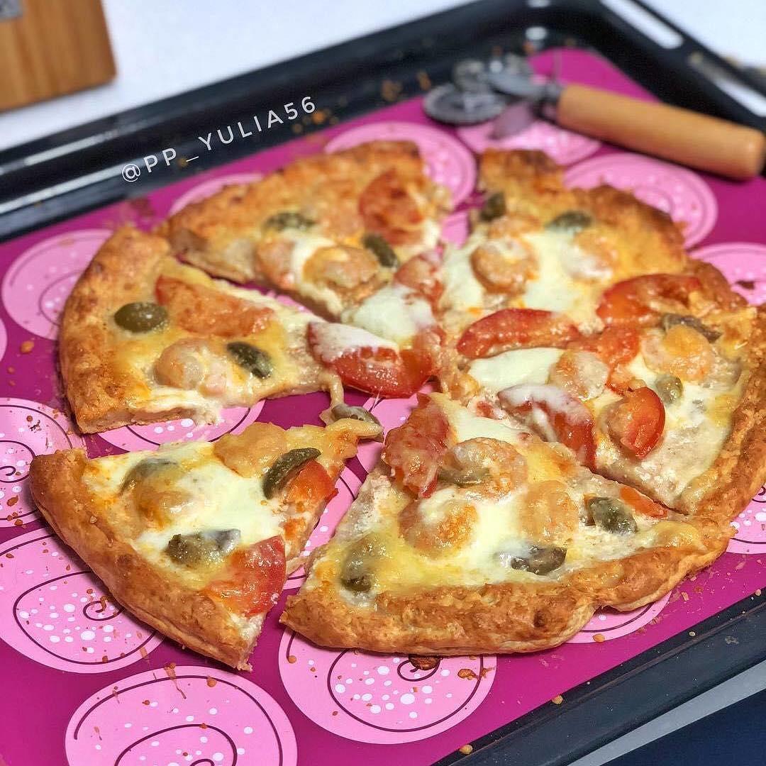 Pica uz biezpiena mīklas pamatnes
