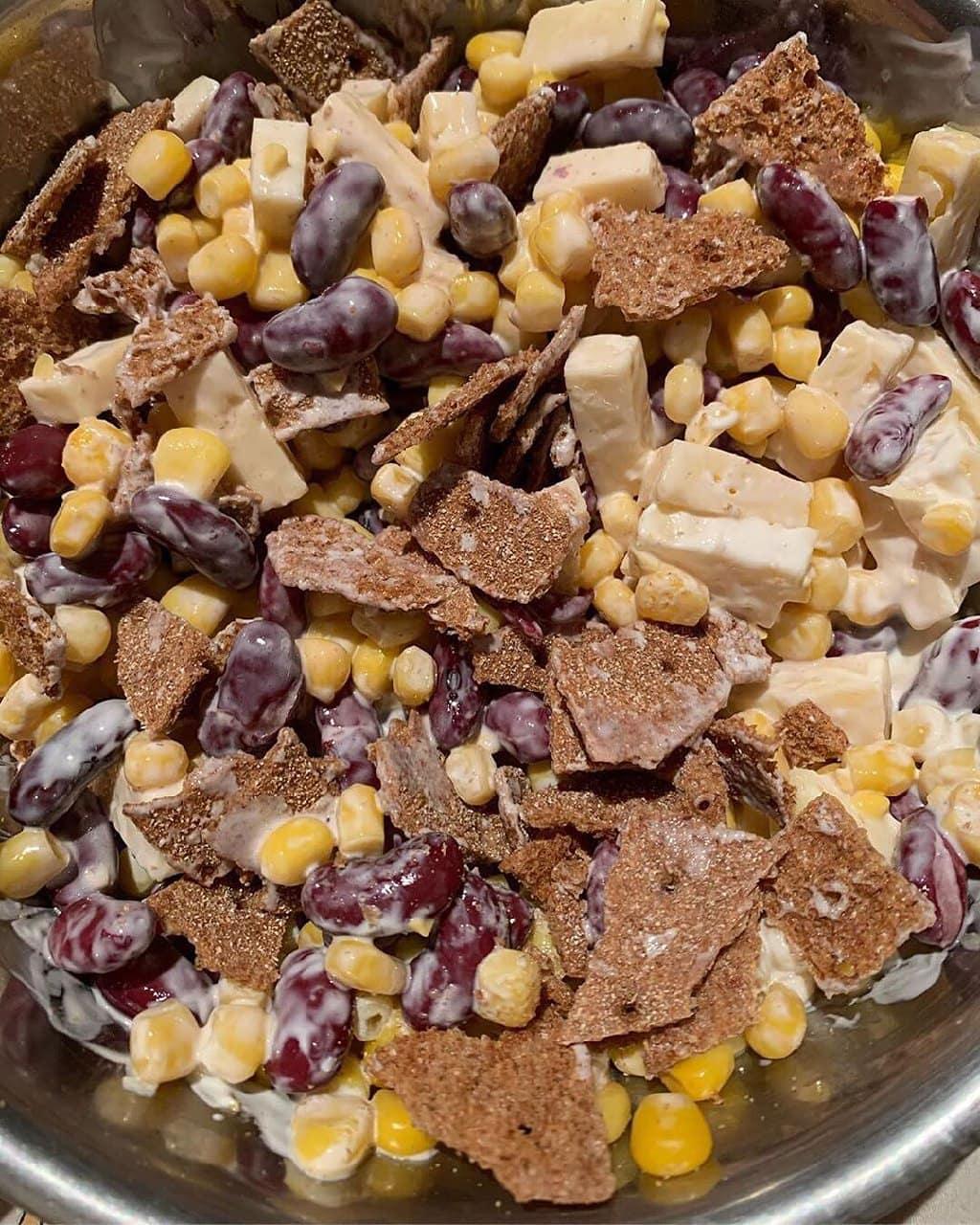 Pupiņu un kukurūzas salāti