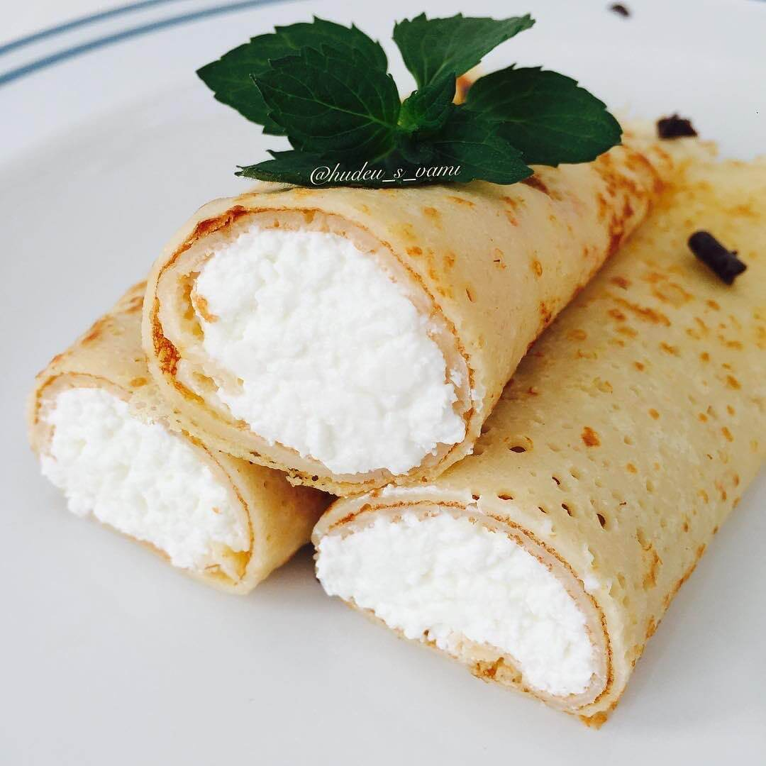 Rīsu miltu pankūkas ar biezpiena pildījumu