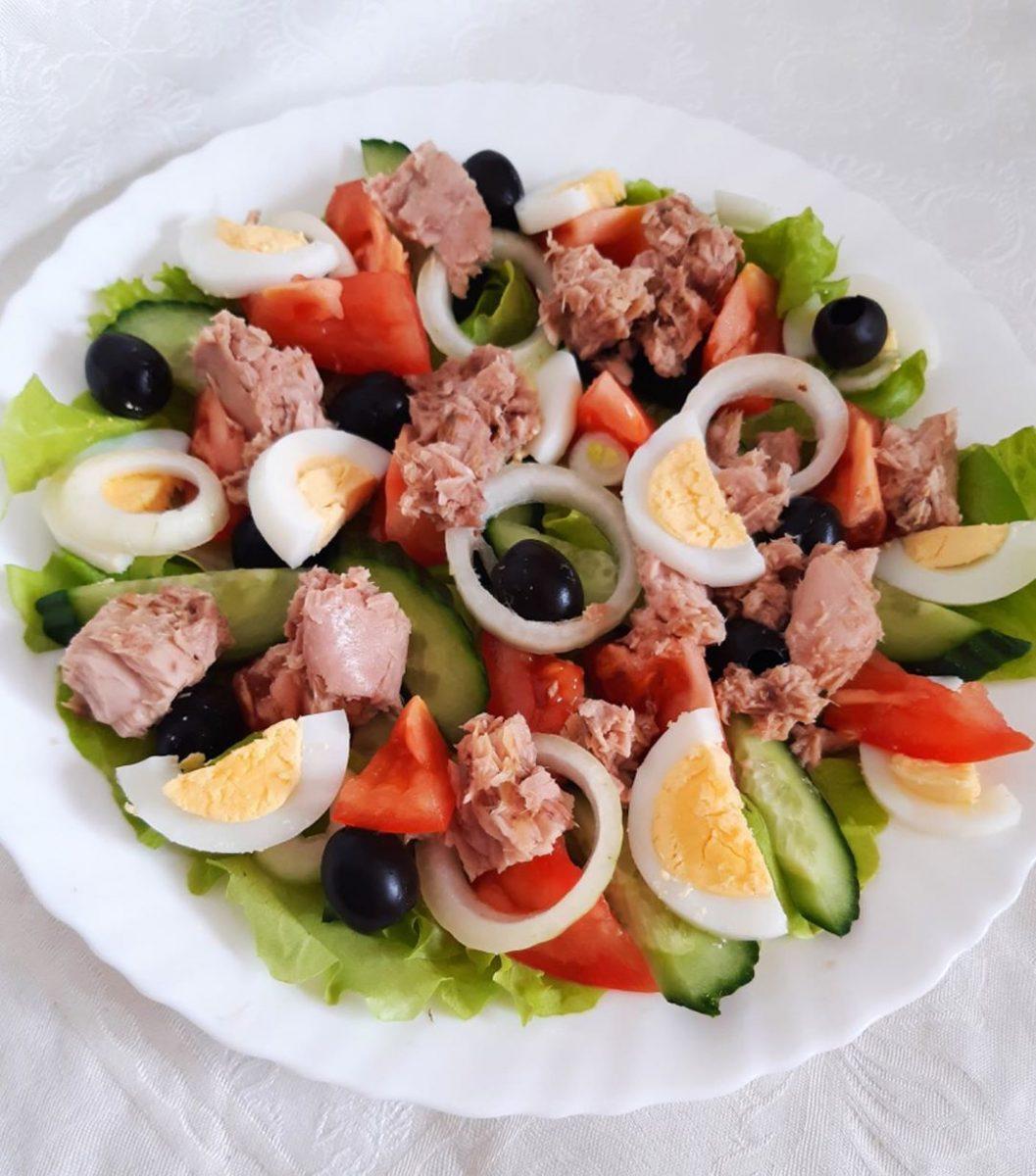 Salātiņi ar tunci