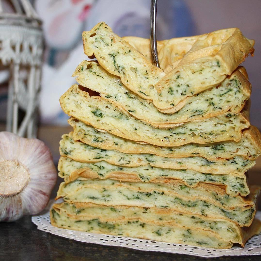 Siera vafeles ar zaļumiem