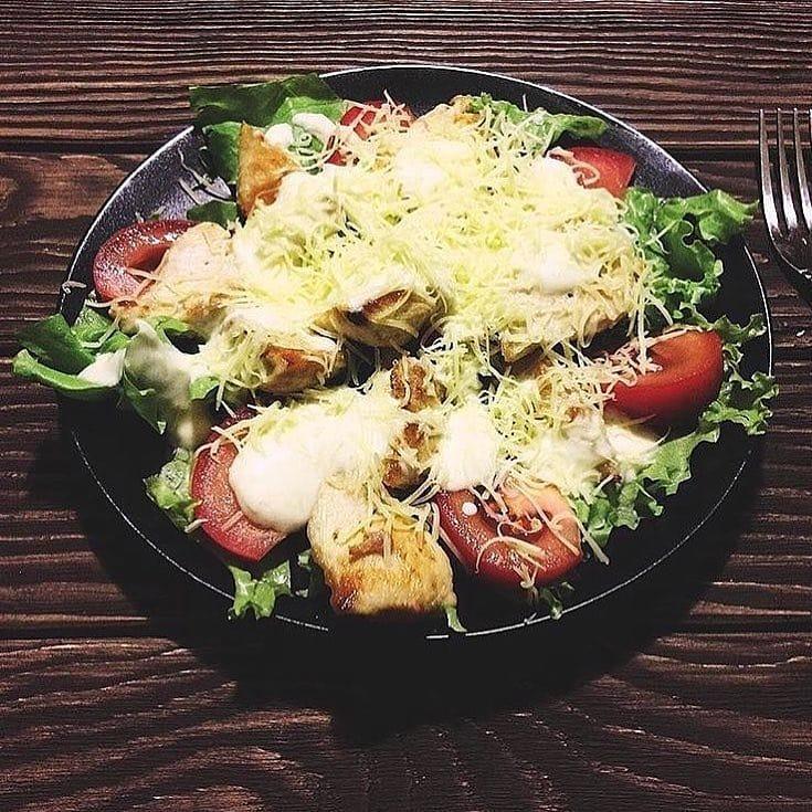 Tievētāju Cēzara salāti