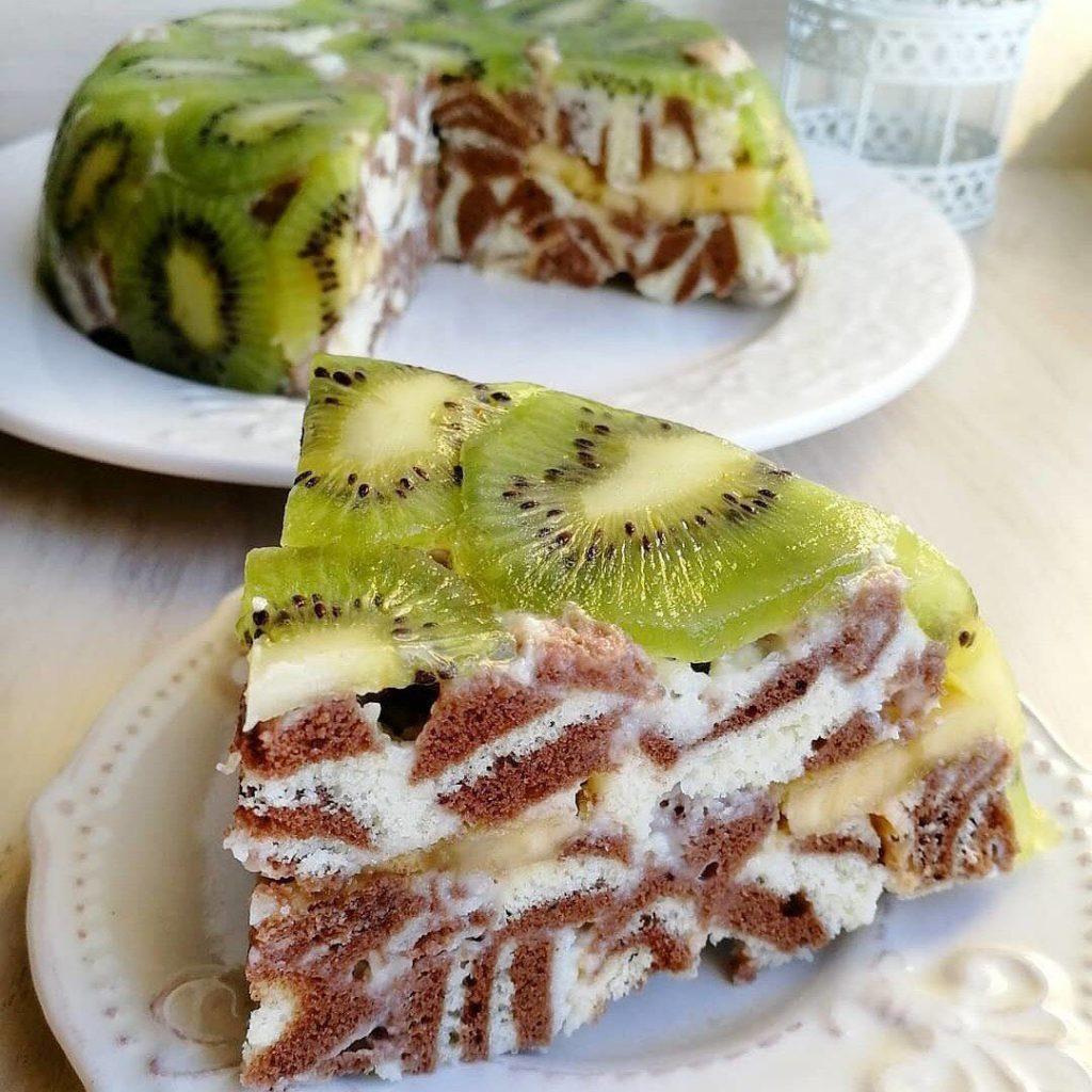 Torte Zebra ar kivī un banānu