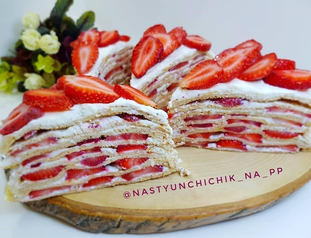 Vieglā zemeņu torte